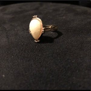Jewelry - Vintage Style Ring